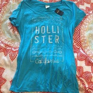 NWT Hollister Tee - Size Small